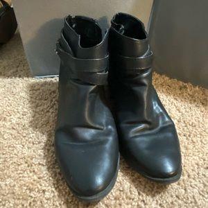 Lauren Conrad black ankle booties womens 10